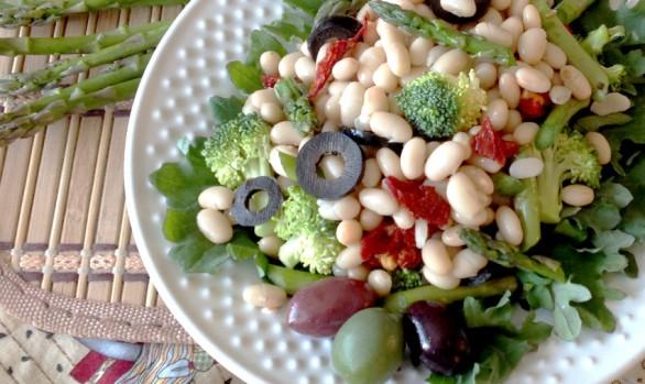 Mediterranean navy bean salad