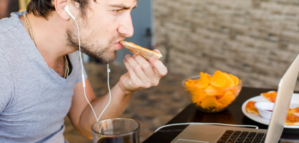 Is Distracted Eating Dangerous?