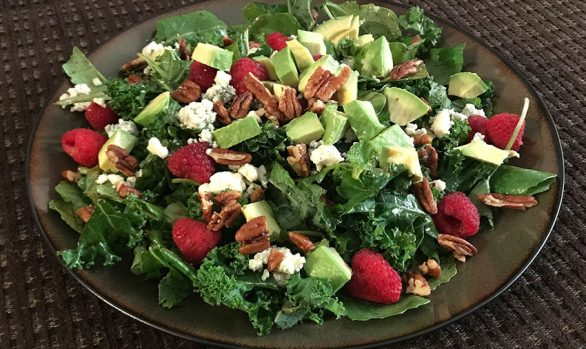 KALE, RASPBERRY AND BLUE CHEESE SALAD
