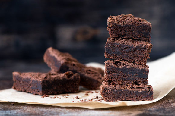 VEGAN NO BAKE BROWNIES